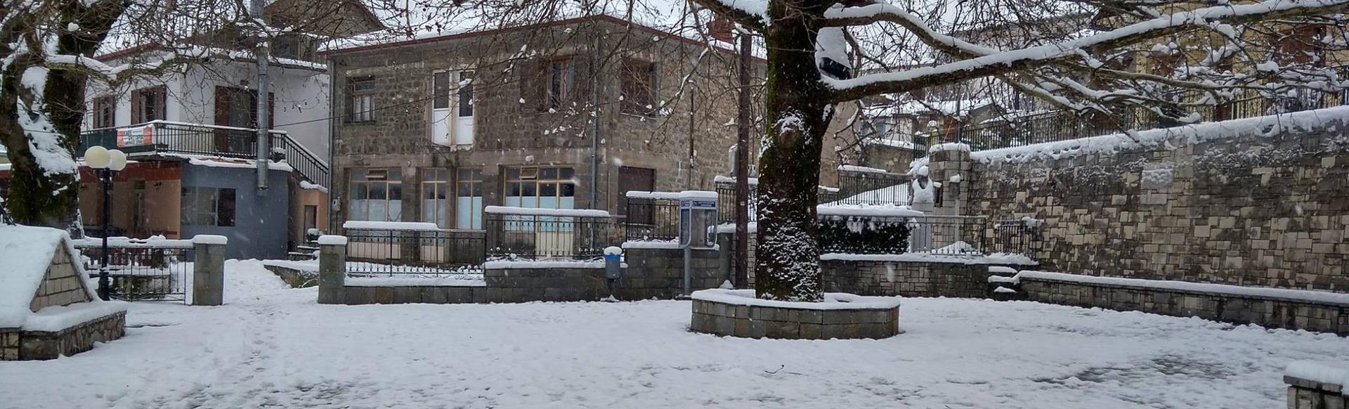 Η Χιονισμένη πλατεία μας!
